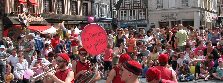 Présentation Le festival les Mascarets connu et reconnu par tous, est le rendez-vous incontournable du début de l'été sur notre territoire. 1