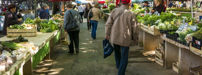 Les commerces en Click and Collect    Vous allez retrouver sur cette page une liste des commerces qui proposent, sur cette période sanitaire de fermeture 1